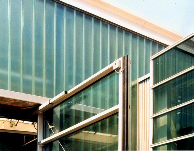 Schlosserei Dietrich, Detail Tür und Reglitverglasung, Michael Lieb Architekt